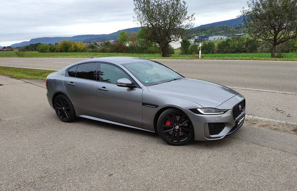 The new Jaguar XE 25t in the test citeste mai multe